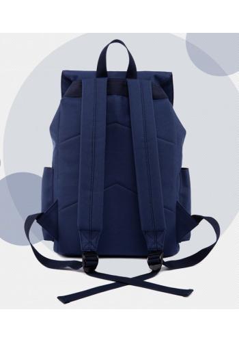 Černý sportovní batoh s rukojetí
