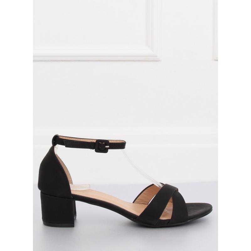 35e975dcf7d1 Matné dámské sandály černé barvy na nízkém podpatku. Novinka. Semišové dámské  sandály šedé barvy na korkové podrážce
