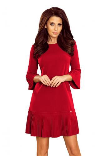 Bordové pohodlné šaty s plisovanými prvky pro dámy