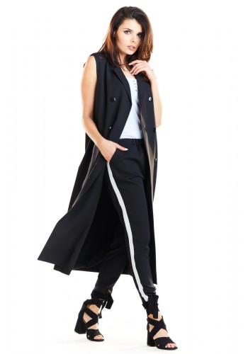 Dlouhá dámská vesta černé barvy se zapínáním na knoflíky