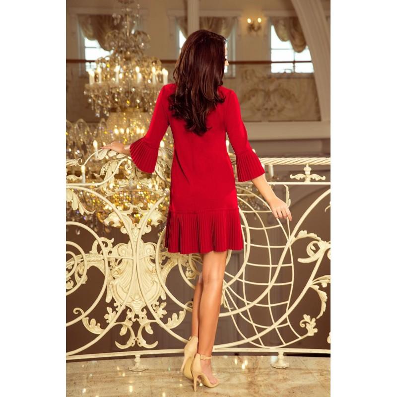 Dámské pohodlné šaty s plisovanými prvky v červené barvě