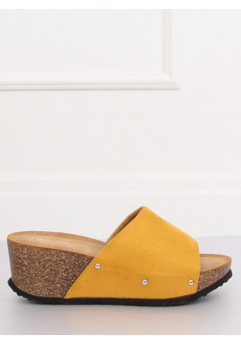 Žluté semišové pantofle na korkové platformě pro dámy