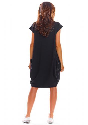 Volné dámské šaty černé barvy s velkými kapsami