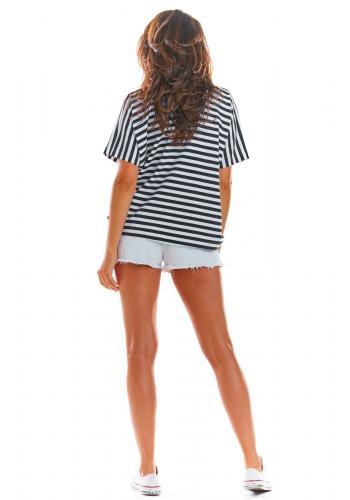 Dámské proužkované tričko s hlubokým výstřihem v černo-bílé barvě