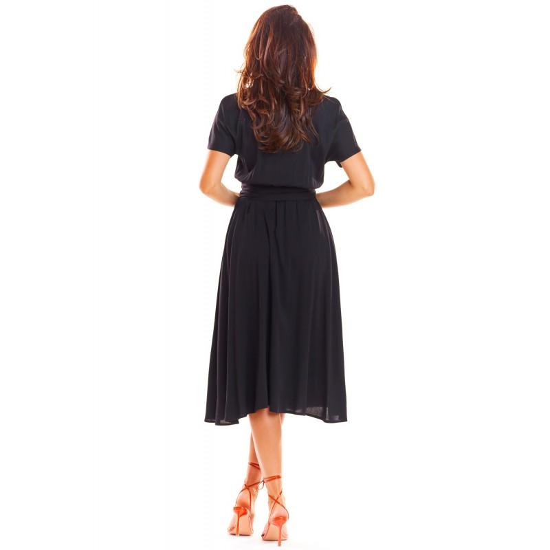 Černé elegantní šaty na léto pro dámy
