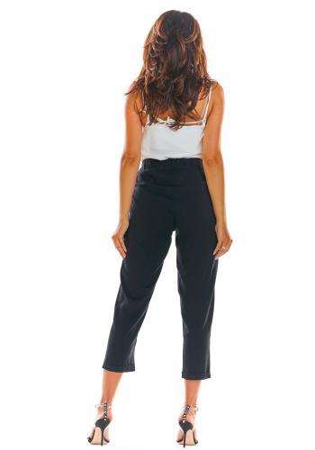 Letní dámské kalhoty černé barvy s volným střihem