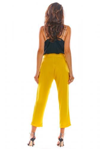 Dámské letní kalhoty s volným střihem ve žluté barvě