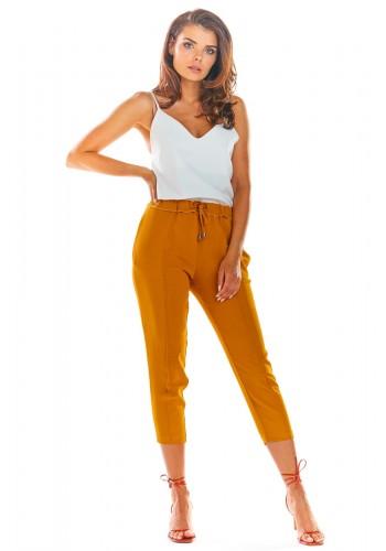 Módní dámské kalhoty velbloudí barvy