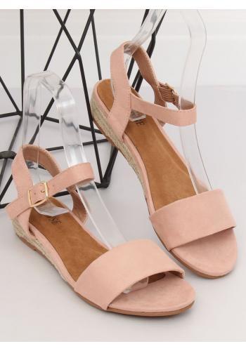 Semišové dámské sandály růžové barvy na nízké platformě