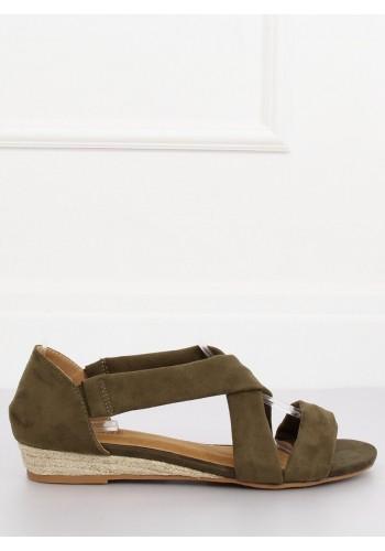 Semišové dámské sandály zelené barvy na nízké platformě