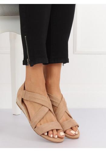 Béžové semišové sandály na nízké platformě pro dámy