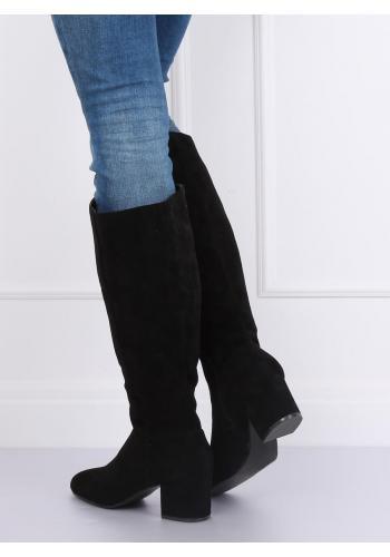 Dámské semišové kozačky na podpatku v černé barvě