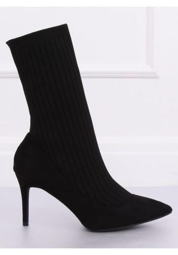 Módní dámské boty černé barvy na štíhlém podpatku