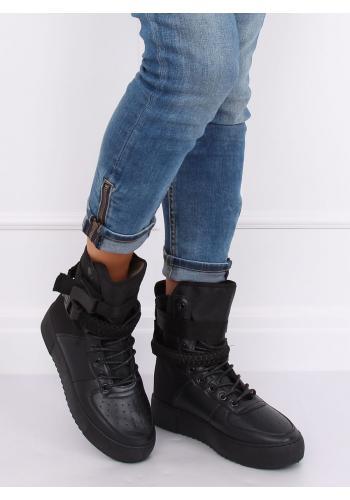 Černé sportovní kozačky na vysoké podrážce pro dámy
