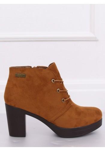 Hnědé semišové boty na podpatku pro dámy