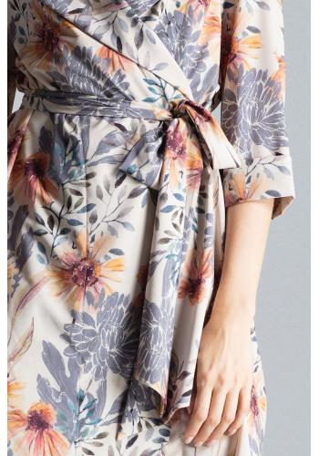 Dámské volné šaty se vzorem v béžové barvě