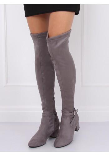 Dámské semišové kozačky nad kolena na nízkém podpatku v šedé barvě