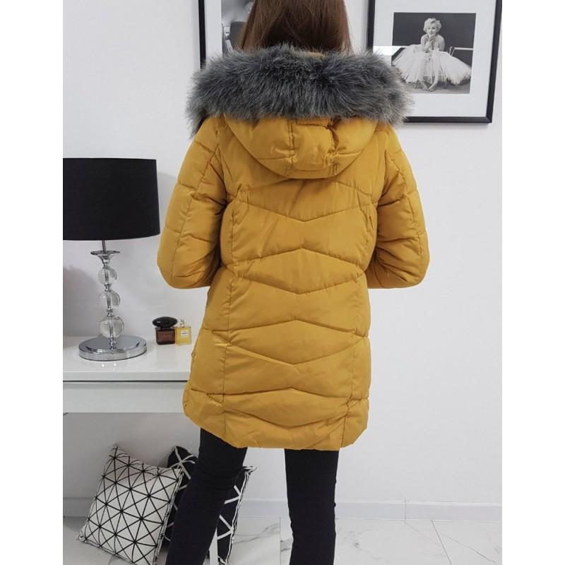 Prošívaná dámská bunda velbloudí barvy s kapucí