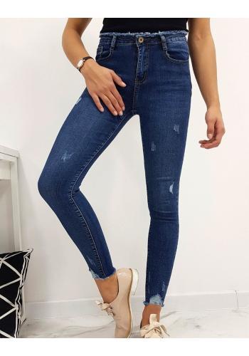 Módní dámské rifle modré barvy s roztřepenými kalhotami