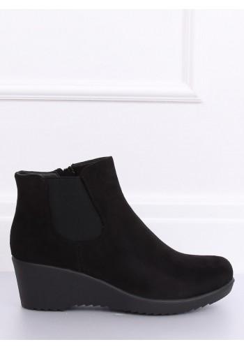 Dámské semišové boty na klínovém podpatku v černé barvě