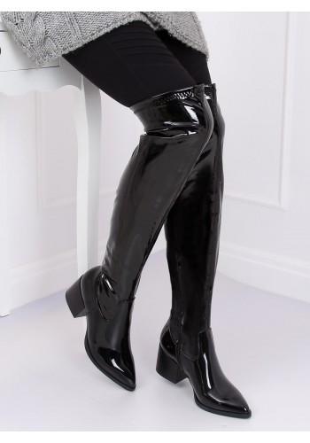 Černé lakované kozačky nad kolena na širokém podpatku pro dámy