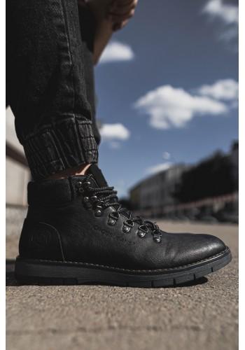 Módní pánské boty černé barvy