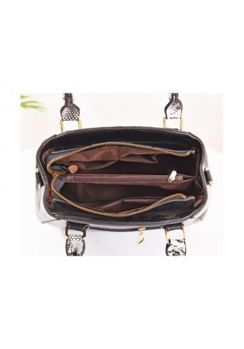 Černá módní kabelka s motivem hadí kůže pro dámy