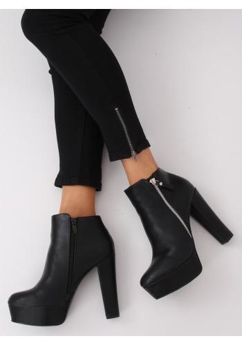 Dámské kotníkové boty na stabilním podpatku v černé barvě