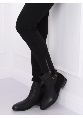 Módní dámské boty černé barvy s přezkou