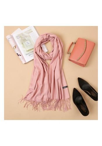 Dámská elegantní šála s třásněmi v růžové barvě