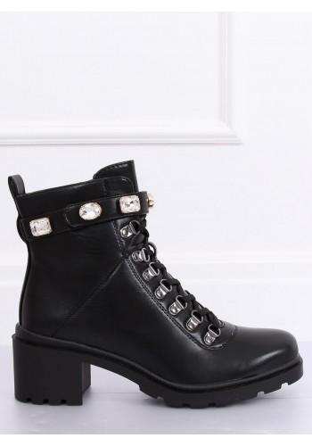Černé módní boty s ozdobným páskem pro dámy