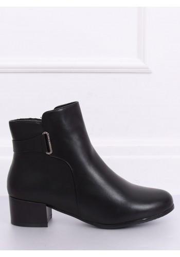 Černé oteplené boty na nízkém podpatku pro dámy