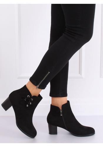 Černé semišové kozačky na pohodlném podpatku pro dámy