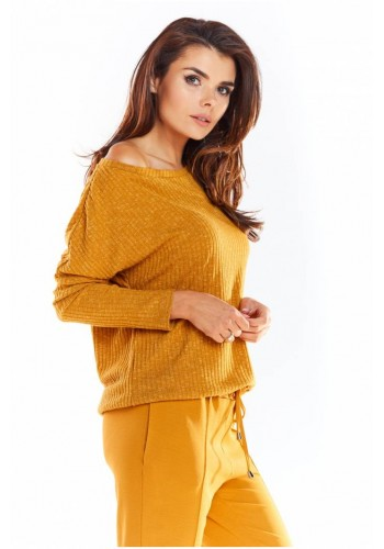 Dámský klasický svetr s dlouhým rukávem ve velbloudí barvě