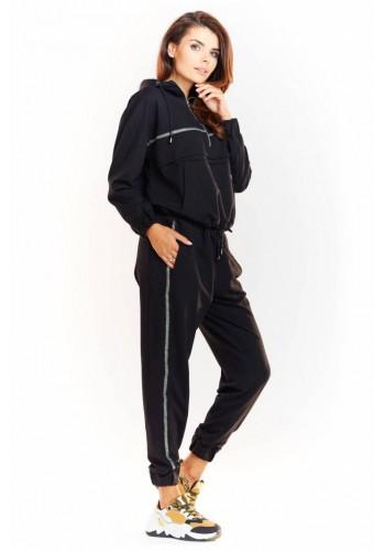 Dámské sportovní kalhoty s elastickým pasem v černé barvě