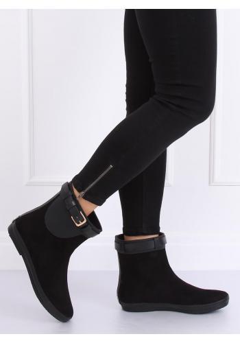 Stylové dámské gumáky černé barvy s přezkou