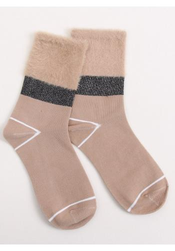 Béžové módní ponožky s kožešinou pro dámy