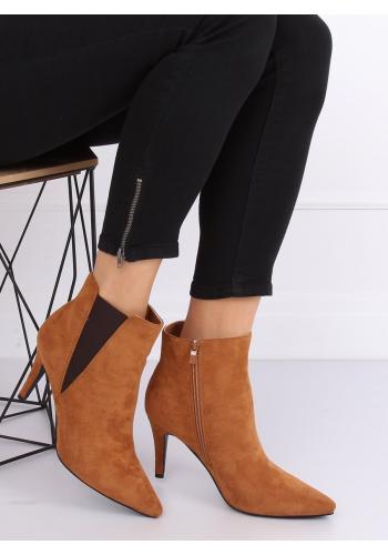 Dámské semišové boty na štíhlém podpatku v hnědé barvě