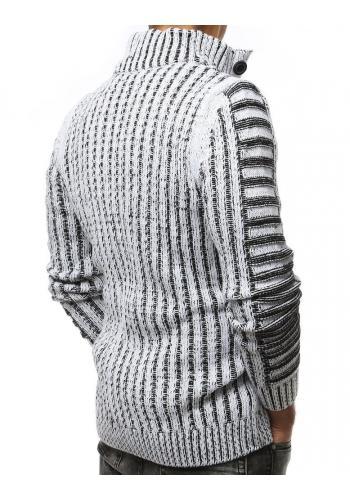 Hrubý pánský svetr bílé barvy s kapsou na hrudi