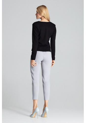 Klasický dámský svetr černé barvy se zapínáním