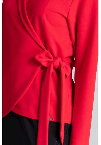Volná dámská halenka červené barvy s vázáním v pase