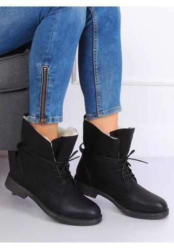 Módní dámské boty černé barvy