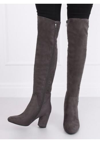 Dámské semišové kozačky nad kolena na podpatku v šedé barvě
