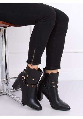 Dámské módní kozačky na stabilním podpatku s vybíjením v černé barvě