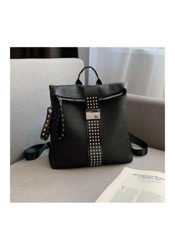 Elegantní dámský batoh černé barvy s vybíjením a kamínky