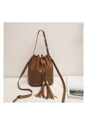 Hnědá stylová kabelka ve formě sáčku pro dámy