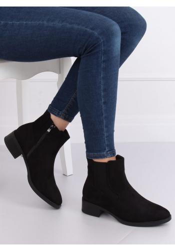 Semišové dámské boty černé barvy s nízkým podpatkem