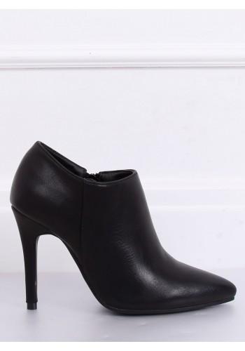 Černé klasické polobotky na štíhlém podpatku pro dámy