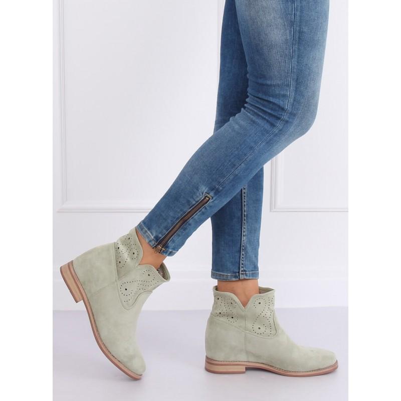 Ažurové dámské boty zelené barvy na skrytém podpatku