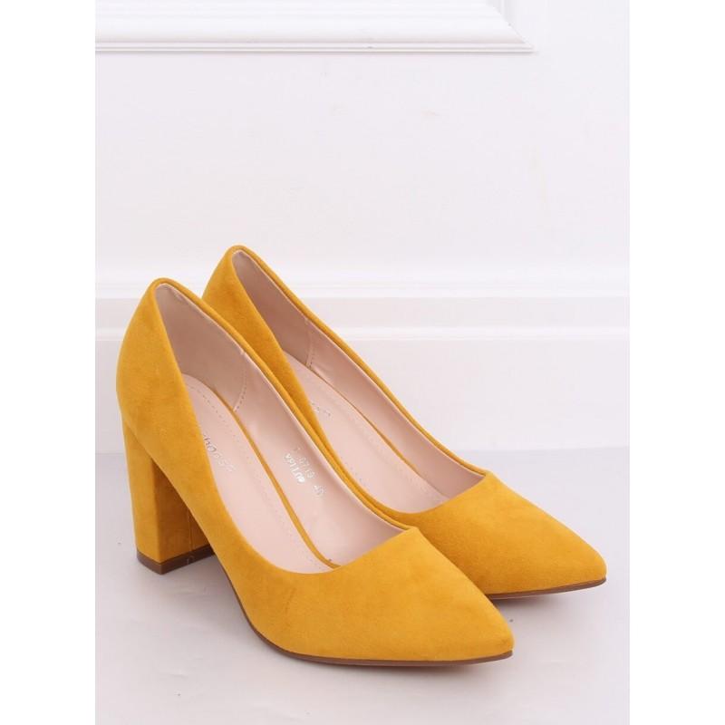 Semišové dámské lodičky žluté barvy na stabilním podpatku